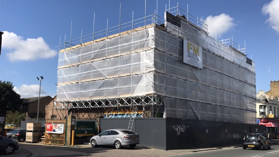 Commercial scaffolding Sutton